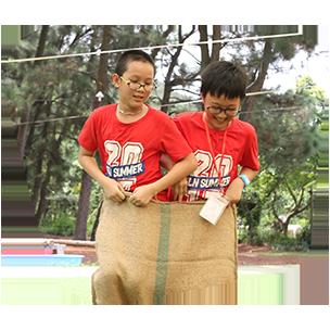 summer-camp-2019-ghep-doi-cung-ban-be