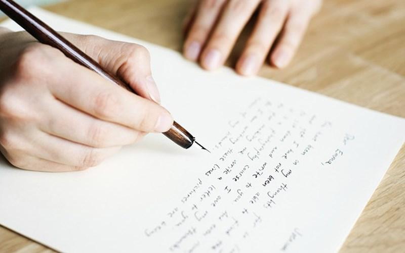 Viết ra giấy những từ ngữ nghe được